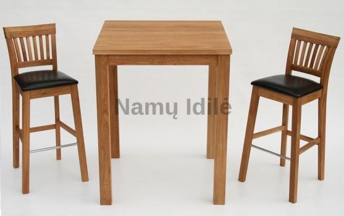 Paaukštintas baro stalas. Mediniai stalai